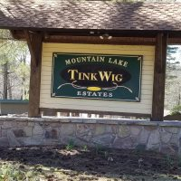 Tink Wig sign by lake wallenpaupack
