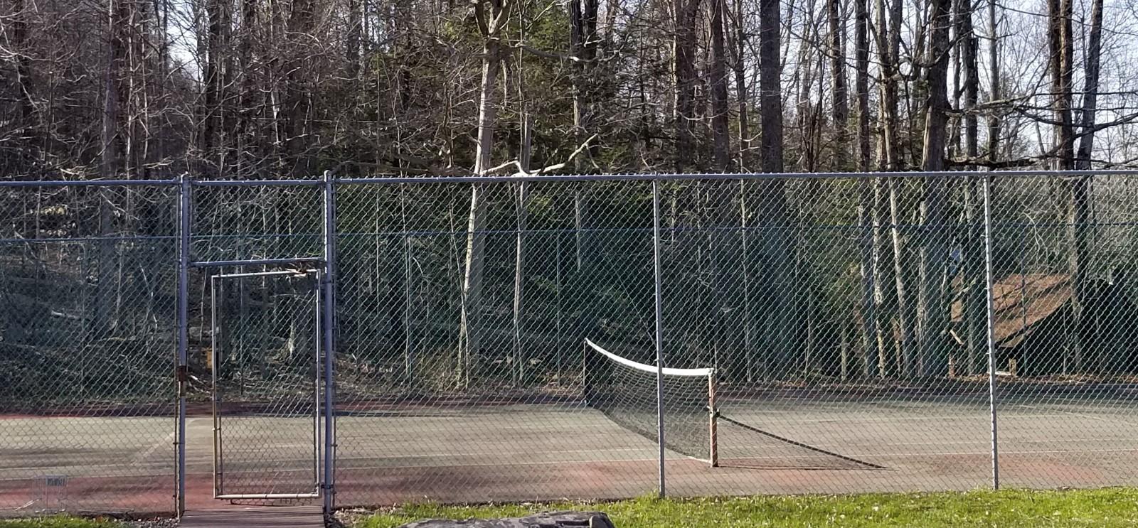 tennis court deer lake in poconos